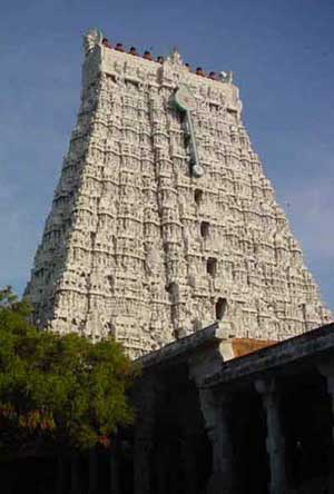 Mela-gopuram: The west temple tower
